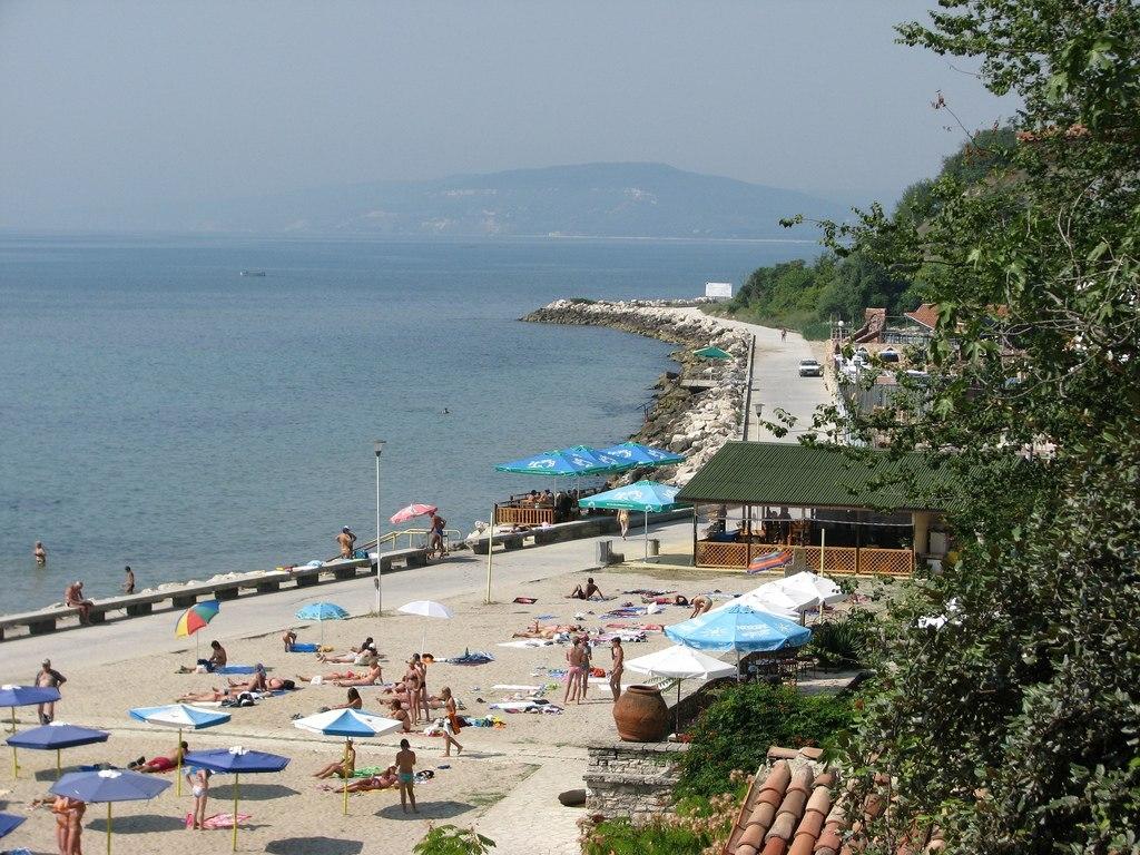 Пляж на курорте Балчик