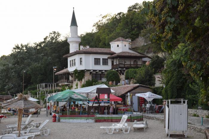 Ресторан рядом с дворцом румынской королевы