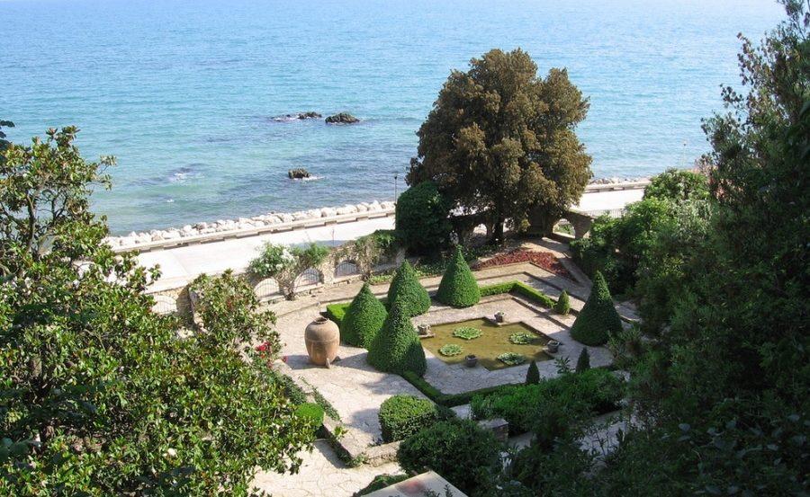 Балчик. Дворец румынской королевы и ботанический сад.