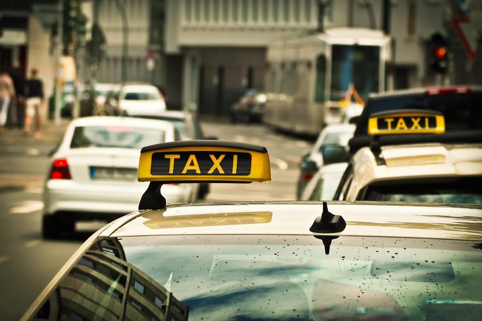 Такси в Болгарии.