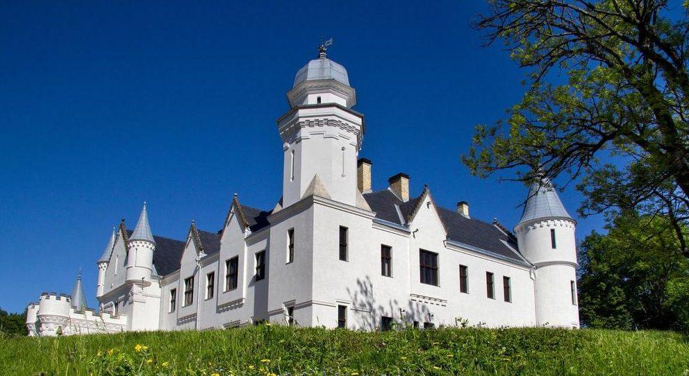 Замок Алатскиви,