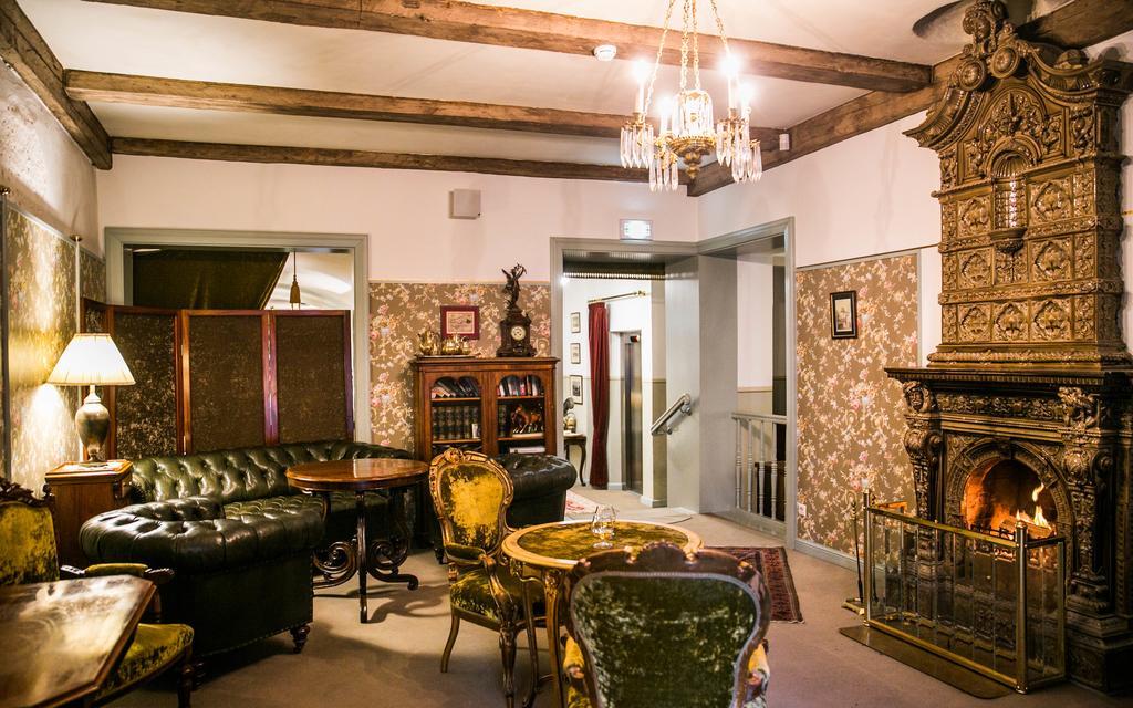 Отель Antonius