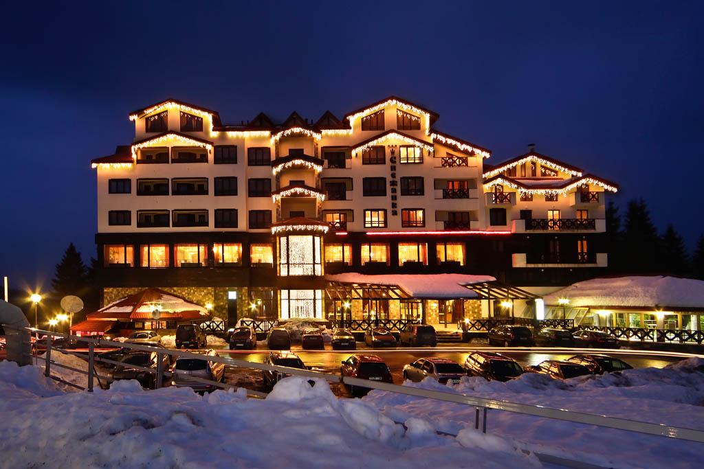 Горнолыжный курорт Пампорово. Ски-пассы сезона 2019 года, трассы, подъемники, инфраструктура.