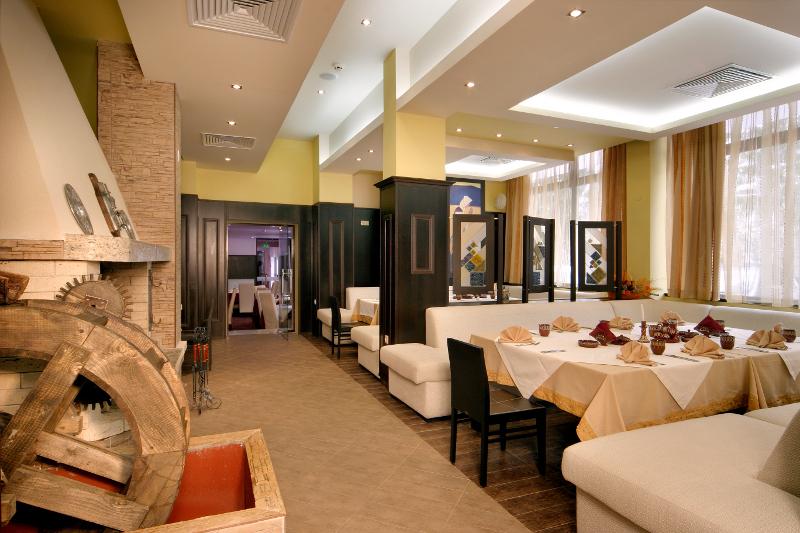Ресторан отеля Belmont.