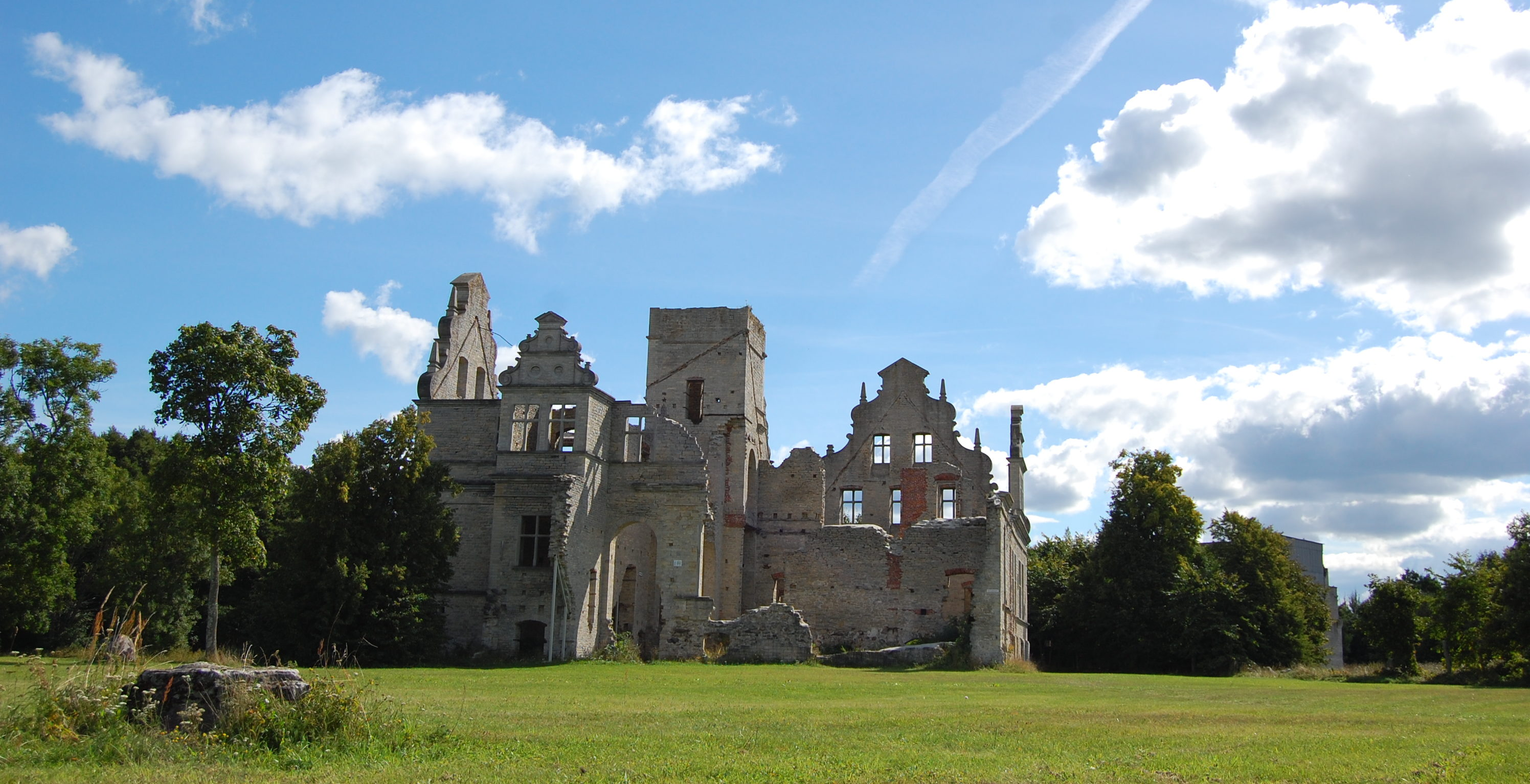 С замком Унгру, находящимся неподалёку от Хаапсалу, связана романтическая история.