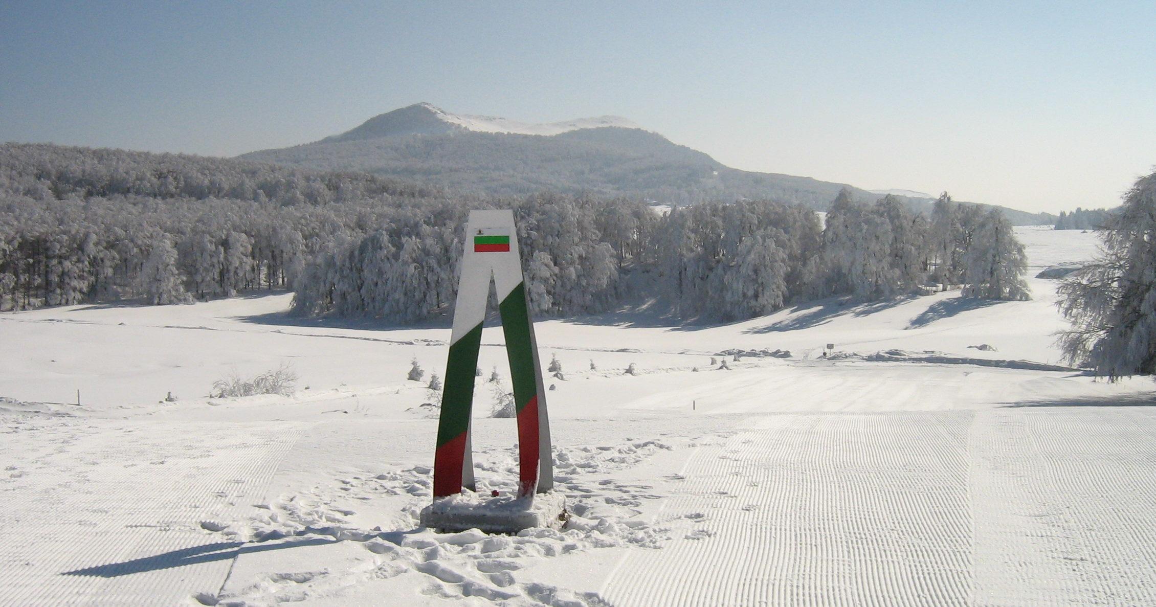 Горный курорт Узана находится среди вековых дубов и лесов на высоте 1420 м над уровнем моря.