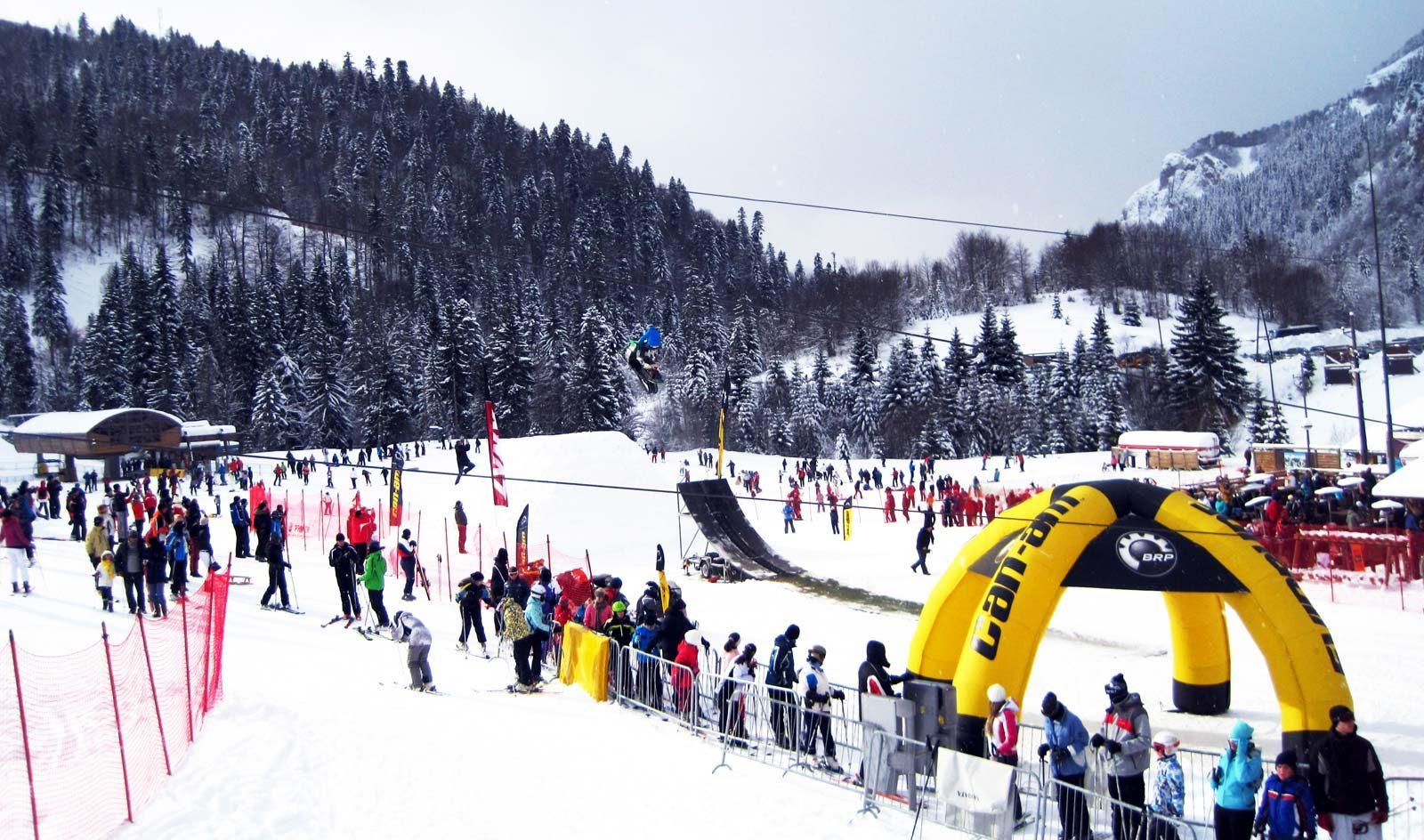Кроме горнолыжного формата, курорт Колашин предлагает множество вариантов развлечений.