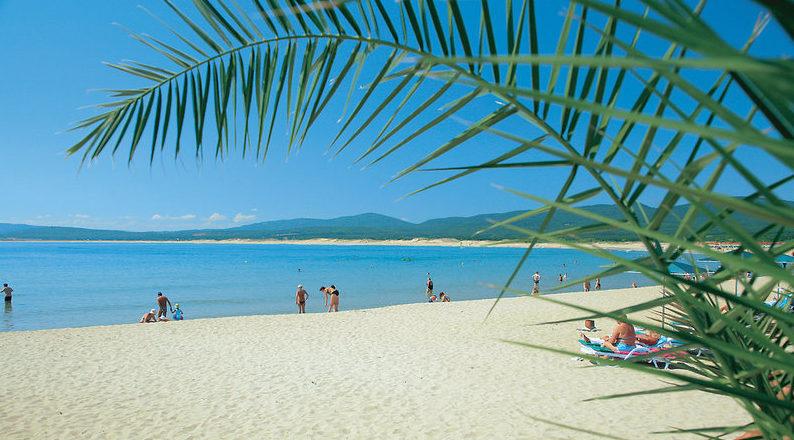 Пляж курорта Дюны.