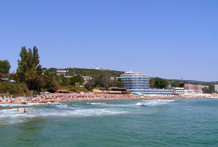 Пляж на курорте Св. Константин