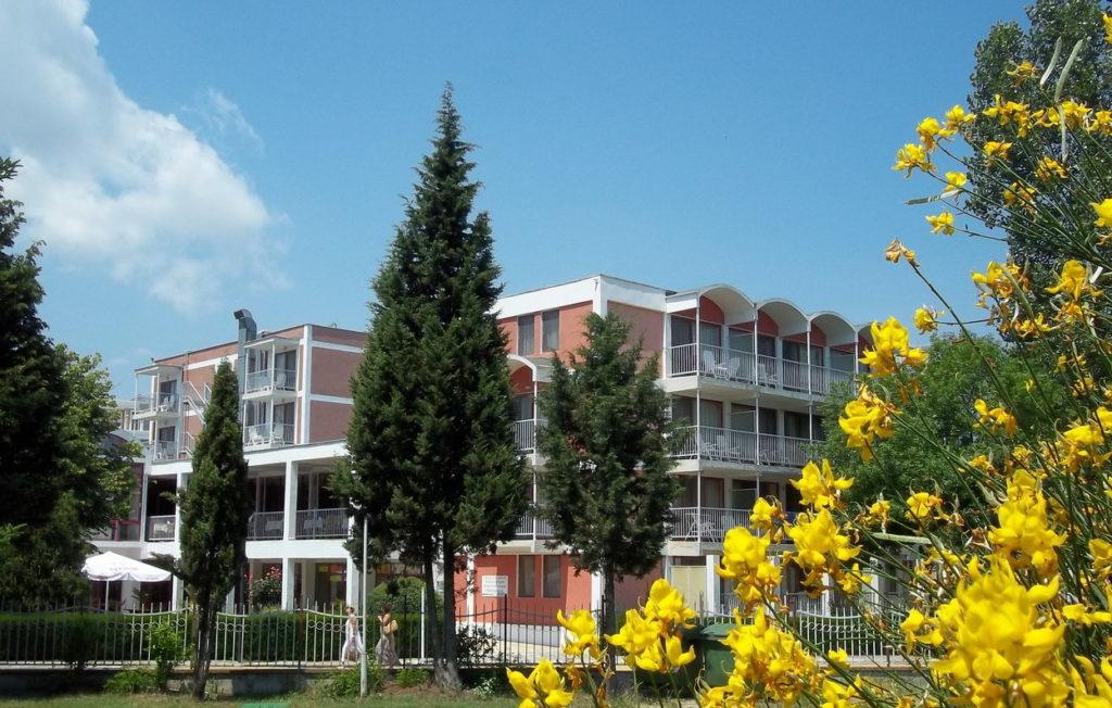 Отель Лонгоз