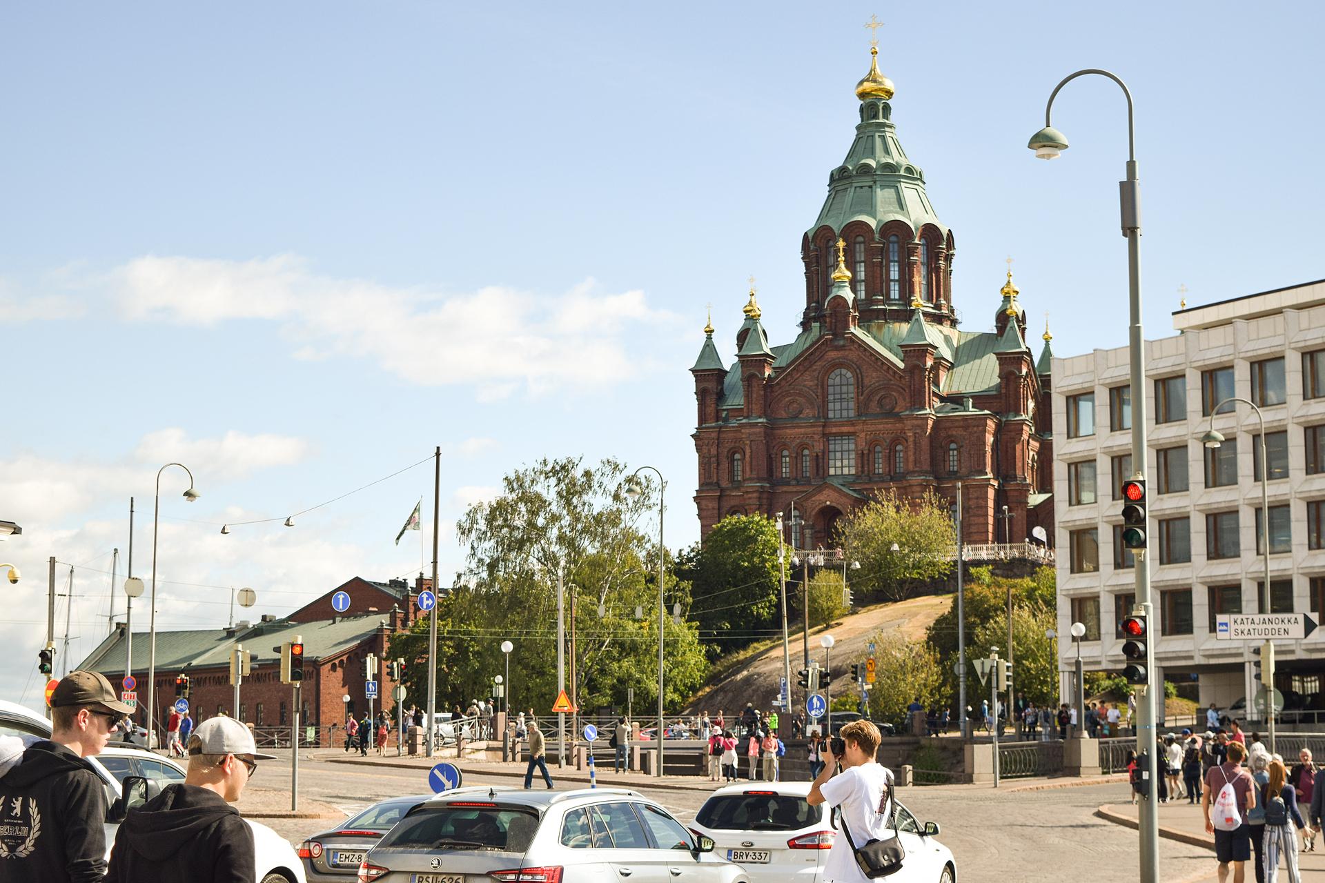 Самый крупный православный храм Северной и Западной Европы - Успенский собор в Хельсинки.