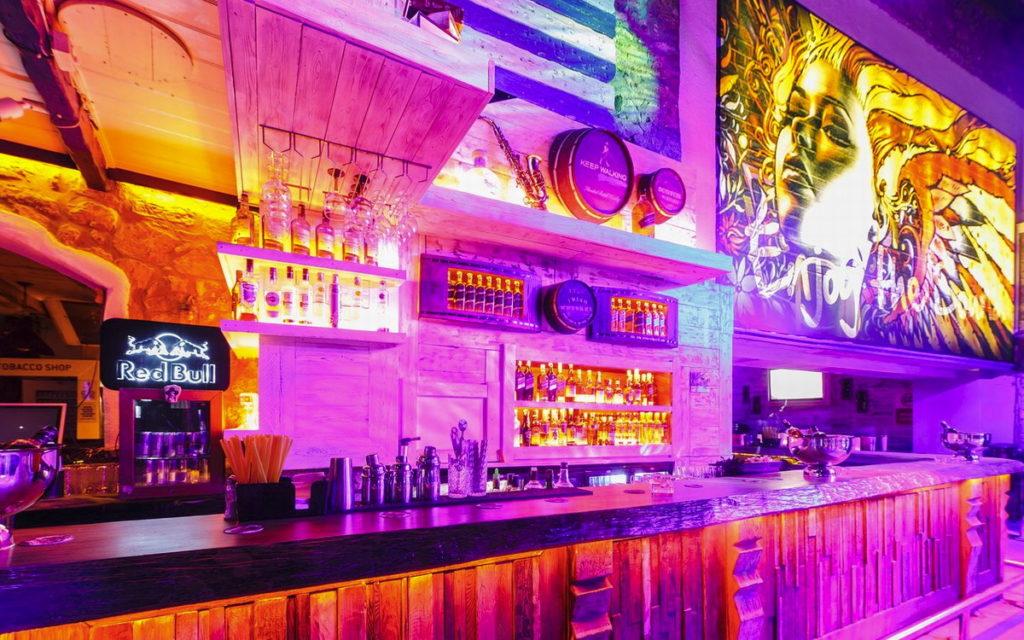Mandalin ночной клуб-бар