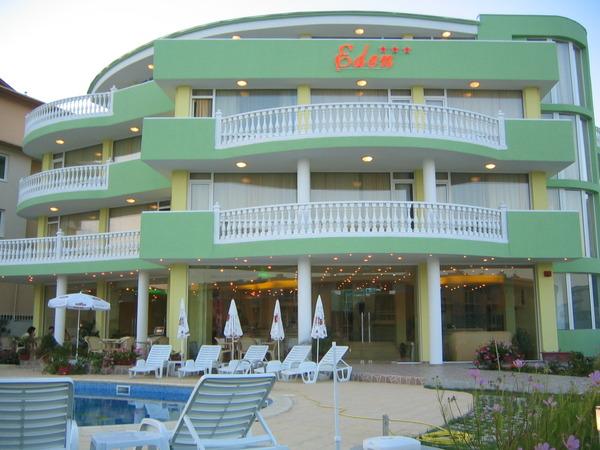 Отель Eden