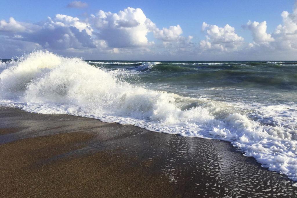 Пляж в Кизилагаче
