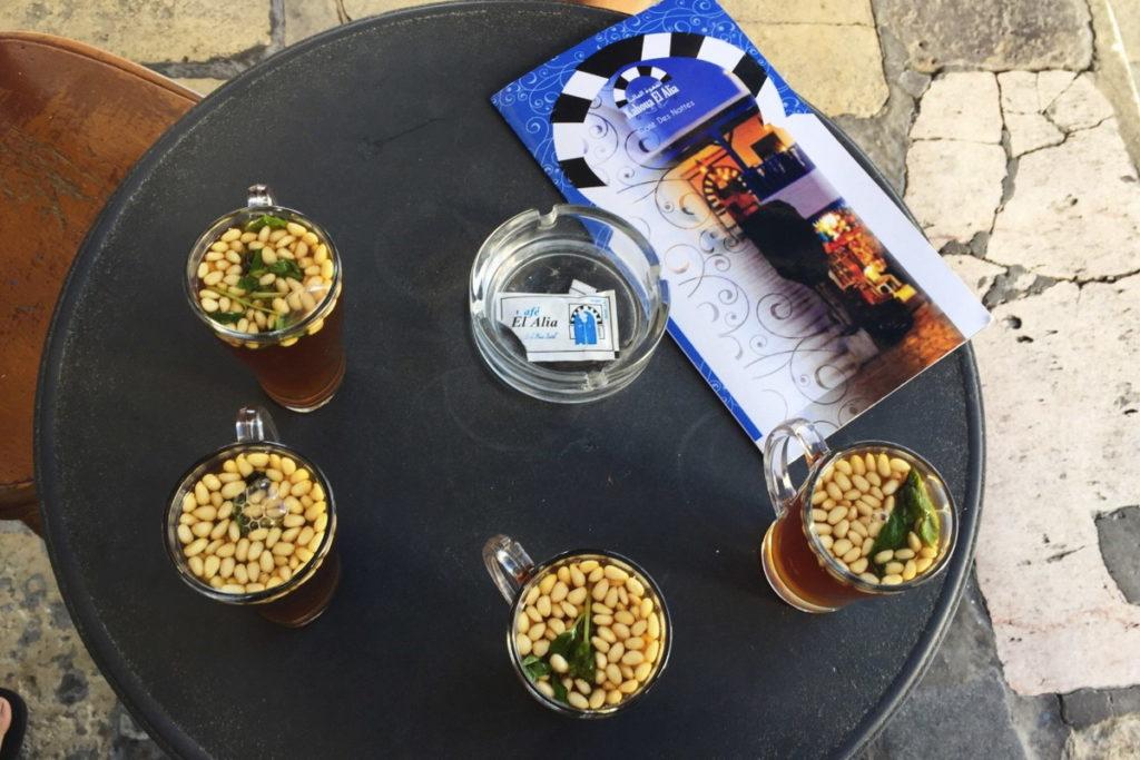 фирменный чай с орешками