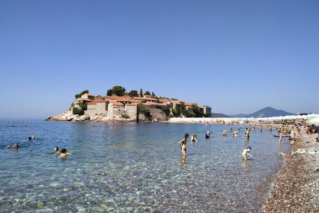 общественный пляж Свети стефан