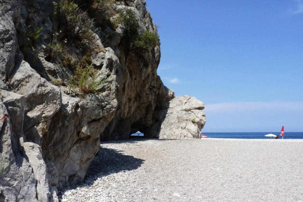 дикий пляж Олимпос