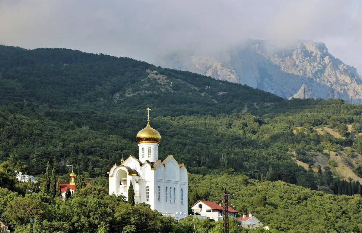Кастрополь храм Казанской иконы Божьей Матери