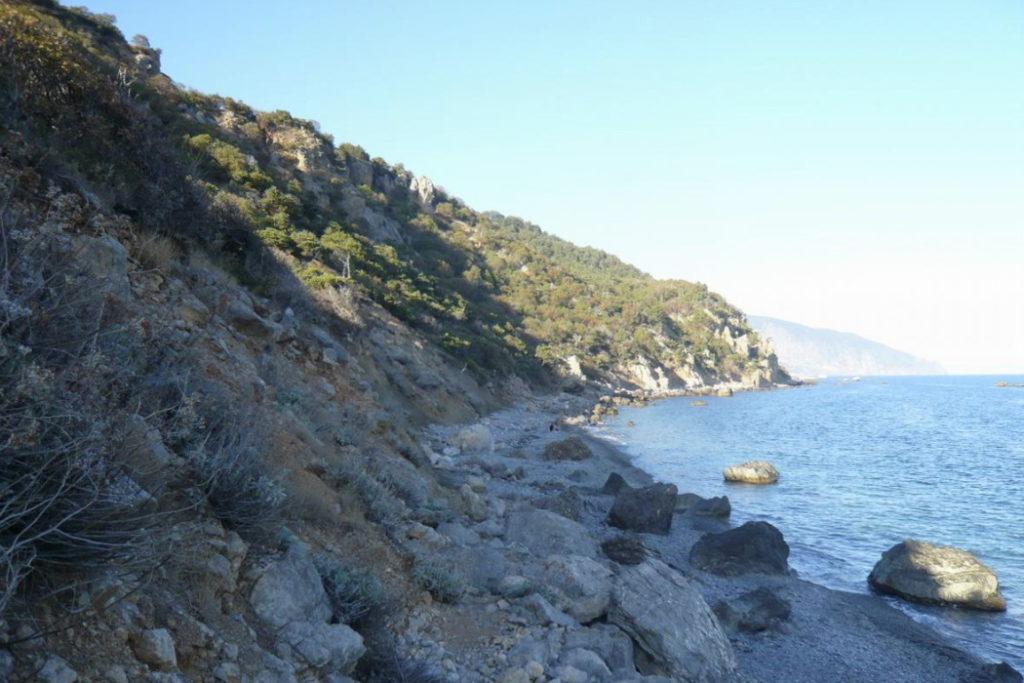 дикий пляж мыса Мартьян