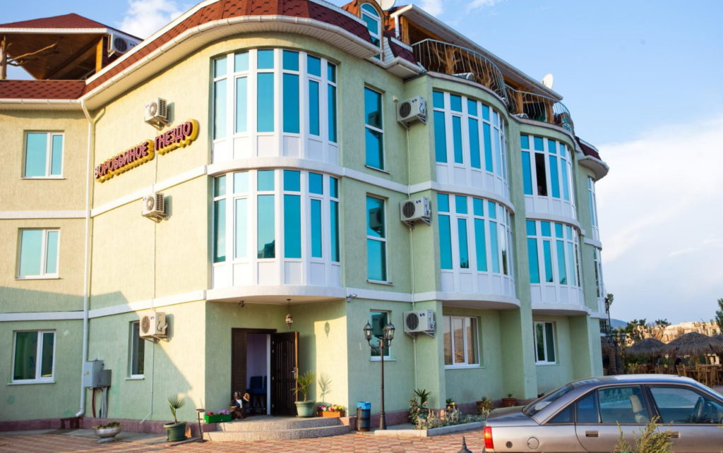 отель Воробьиное гнездо