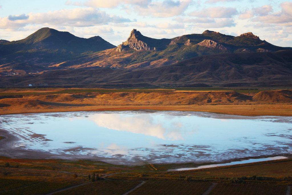 соленое озеро Бараколь