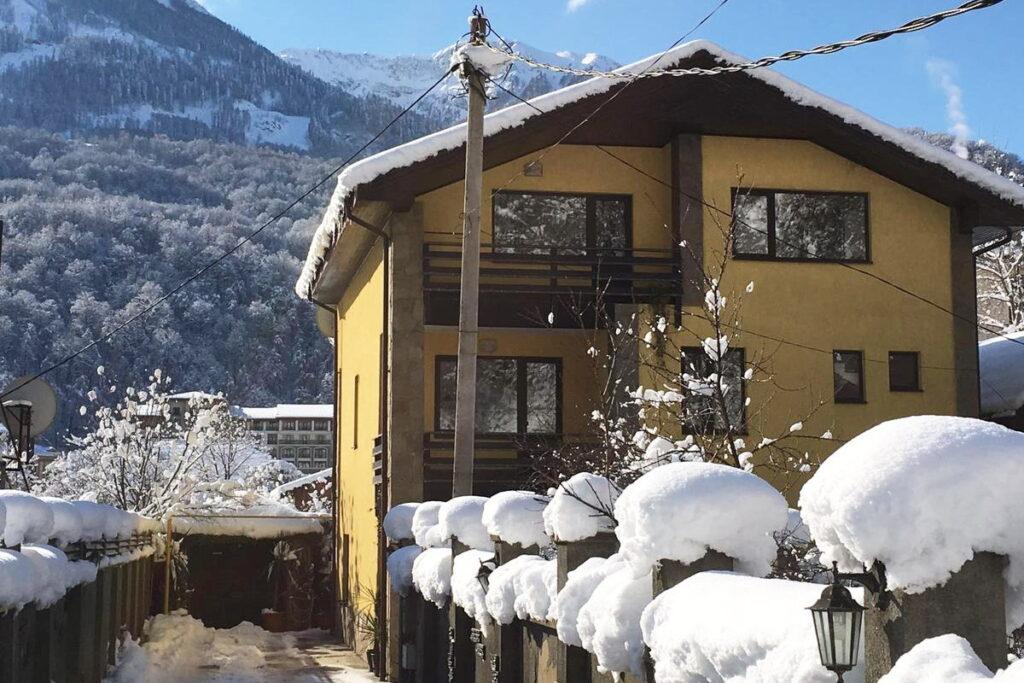 Эсто Садок гостевой дом на Березовой 72