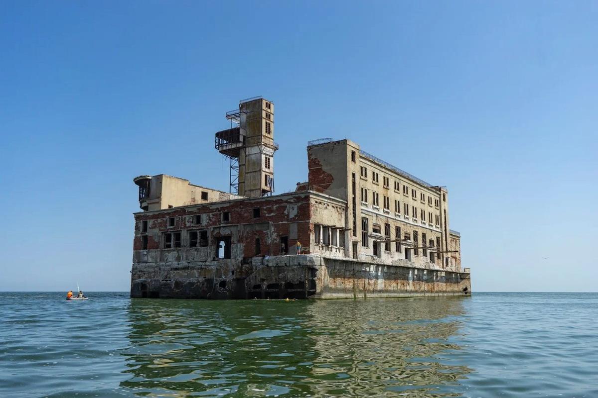 форт боярд в Каспийске