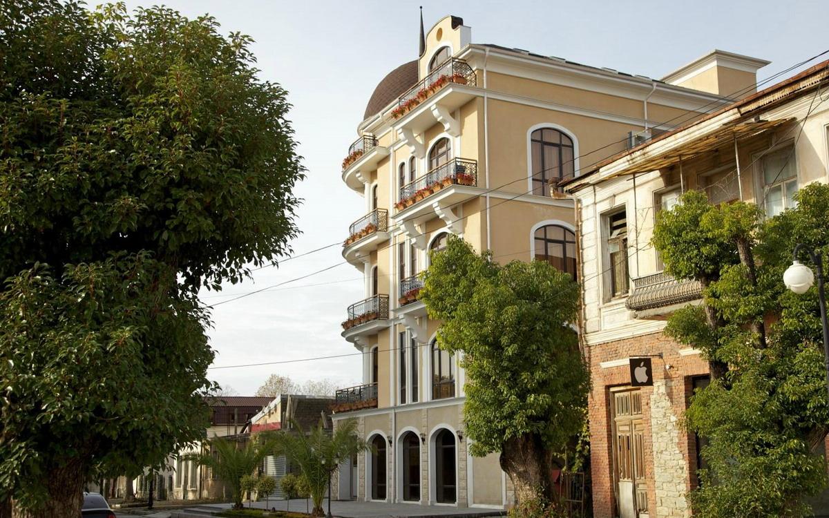 Отель Леон