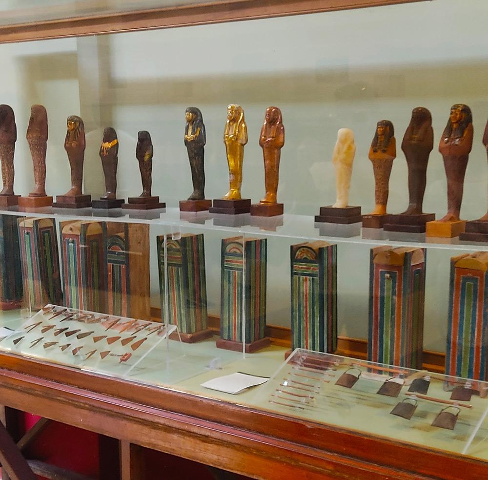 Экспонаты в Каирском музее