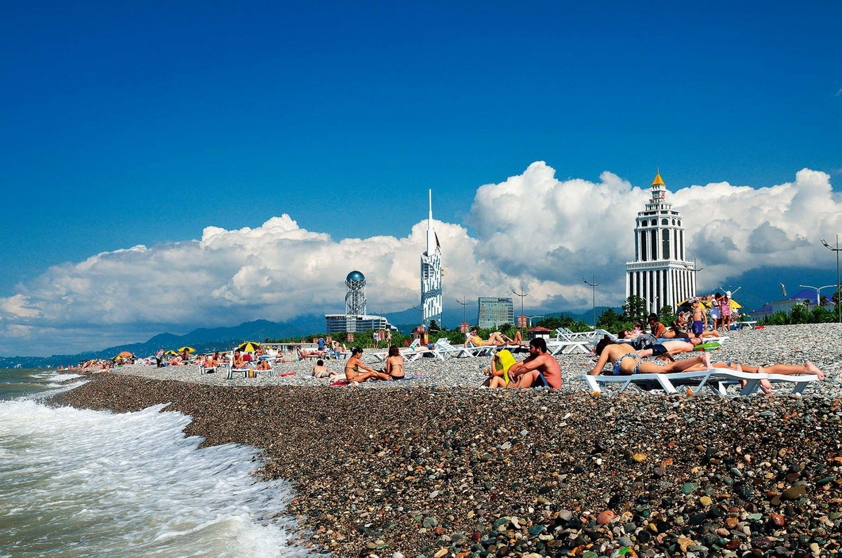 Пляж Батуми Бич